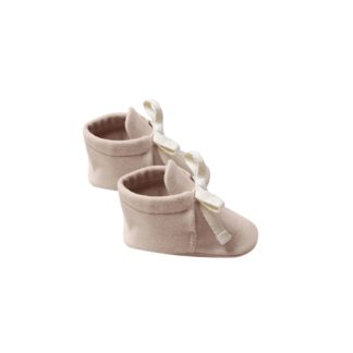 Quincy Mae Baby Booties (petal)