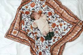 Pop Ya Tot Essential Swaddle (summer mint)